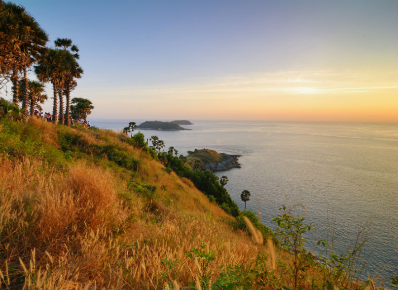 HOW TO HAVE A ROMANTIC GETAWAY IN PHUKET