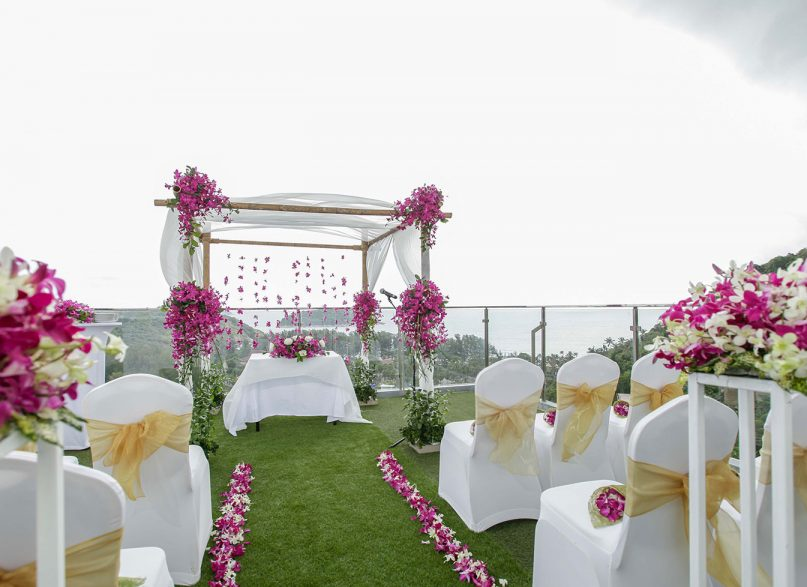 5 Reasons to Renew Your Vows by the Beach in Phuket