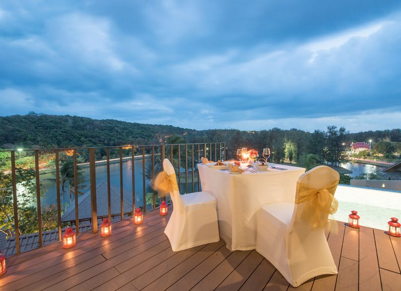 Different Ways to be Romantic for Your Partner On Your Trip to Phuket